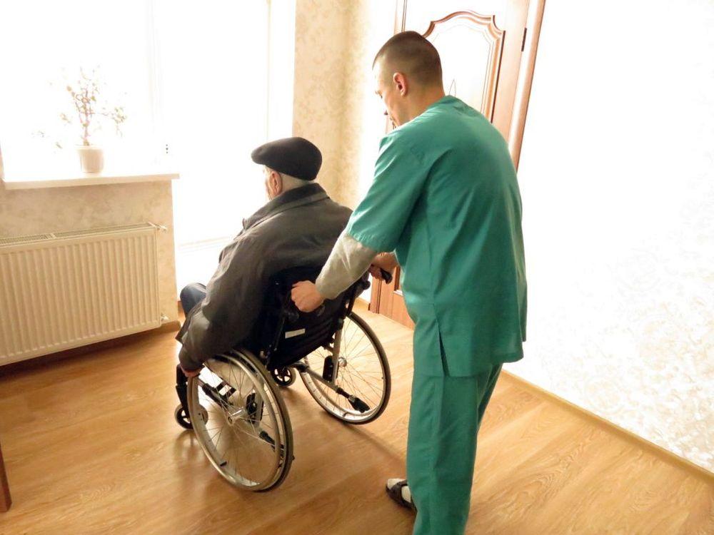 "Уход в доме престарелых ""Времена Года"""